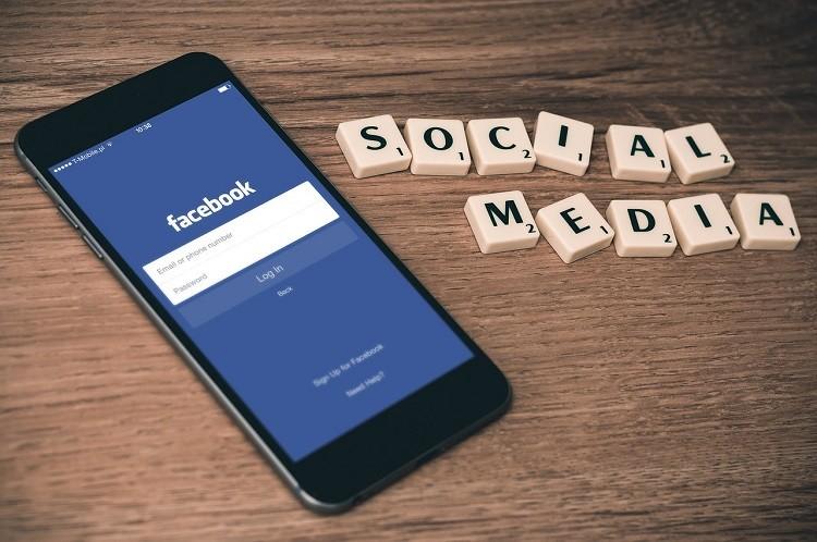 Apa Pengaruh Sosial Media dalam Promosi Bisnis Web Hosting?