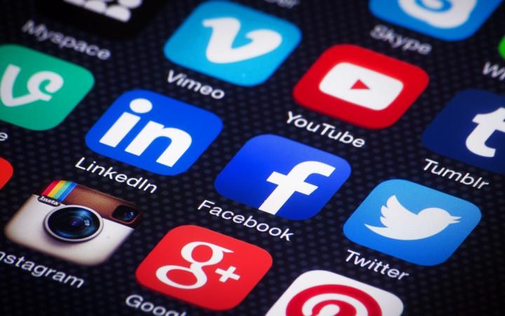 Sosial Media dan Kemudahan Aksesibilitas