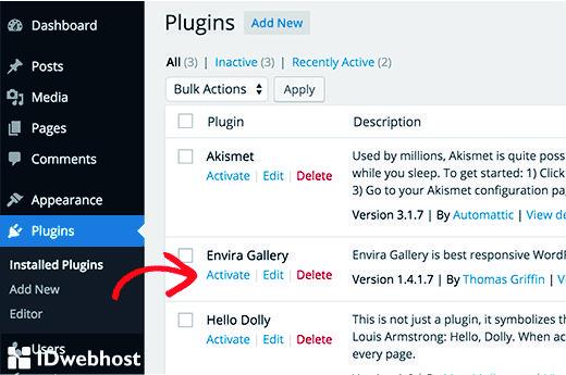Mengaktivasi Saat Pasang Plugin WordPress